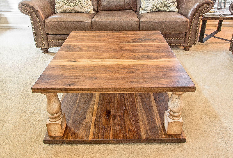 Etonnant Walnut Turned Leg Coffee Table